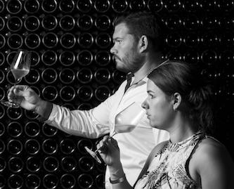 Les vignerons Estelle et Ghislain